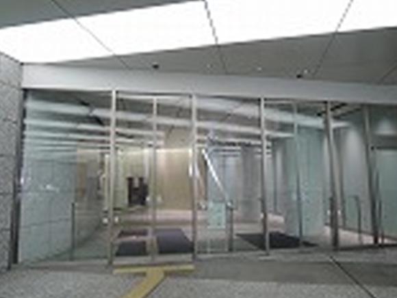 マークワンオフィス棟 入口です。